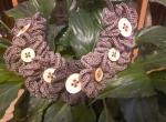 Lniany naszyjnik z drewnianymi guzikami