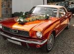Mustangi, Cadillaki, limuzyny Chrysler 300c, zabytkowe Mercedesy.